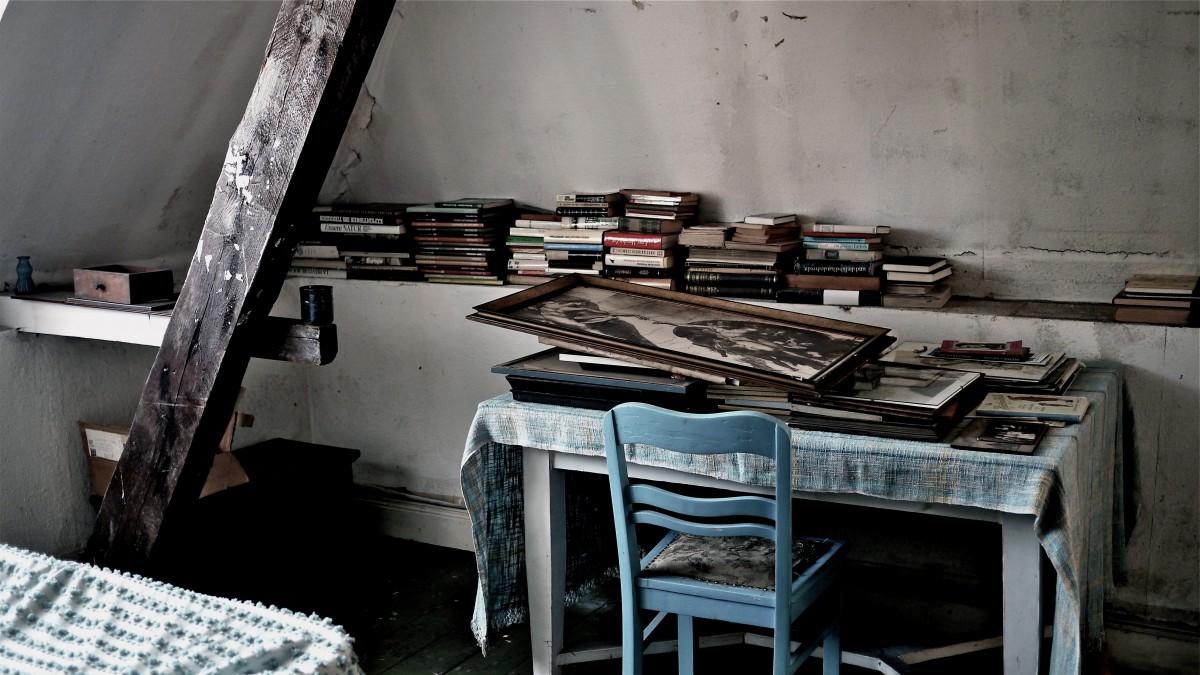 Haus: Zimmer mit Büchern